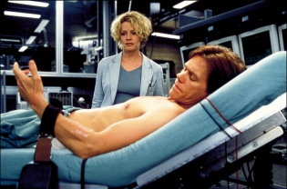hollow_man_2000_blu-ray_pic01.jpg