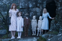 miss_peregrines_home_for_peculiar_children_2016_pic05.jpg