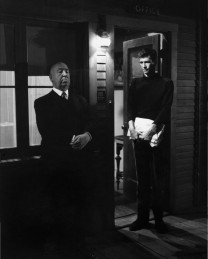 psycho_anthony_perkins_alfred_hitchcock.jpg
