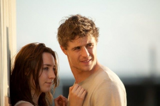 the host,andrew niccol,saoirse ronan,william hurt,diane kruger,stephenie meyer,review,dvd,jake abel,max irons